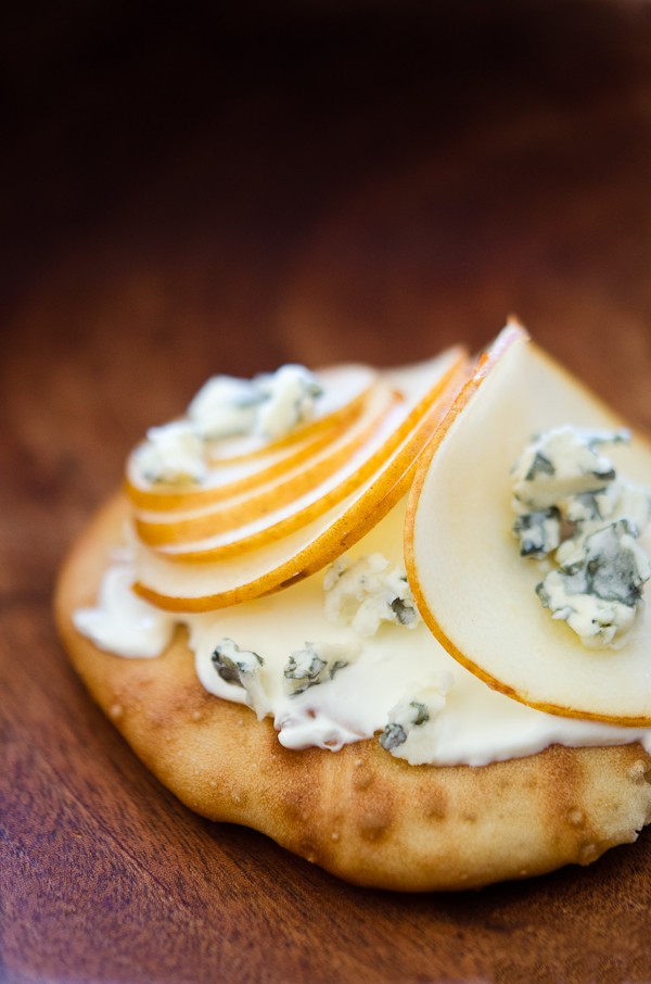 © 2012 Viviane Perenyi - SourdoughToast with Pear and Blue Cheese